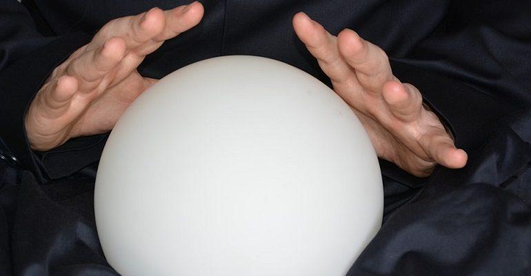 хрустальный шар. гадалка