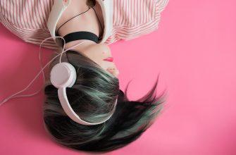 девушка наушники музыка
