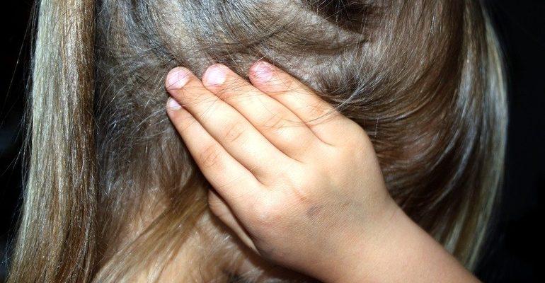 ребенок дети шум крик уши