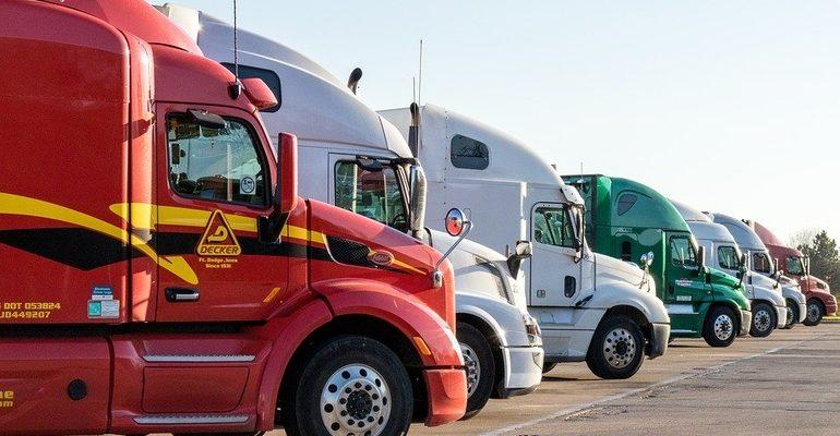 грузовик грузоперевозки