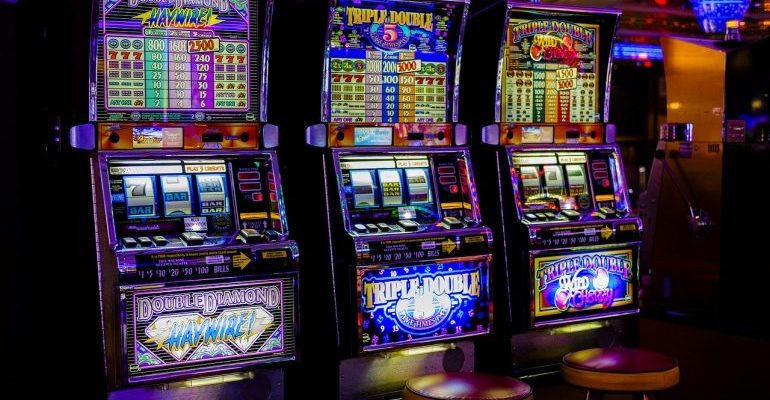 Игровые автоматы в подмосковье казино онлайн с минимальным депозитом 100 рублей