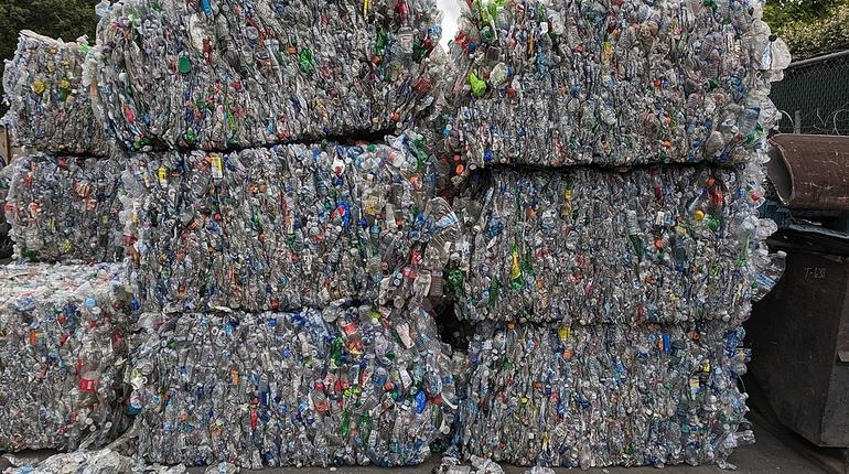 переработка мусора, отходы, бутылки, пластик