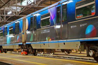 В метро Москвы пустили космический поезд, посвященный освоению звезд